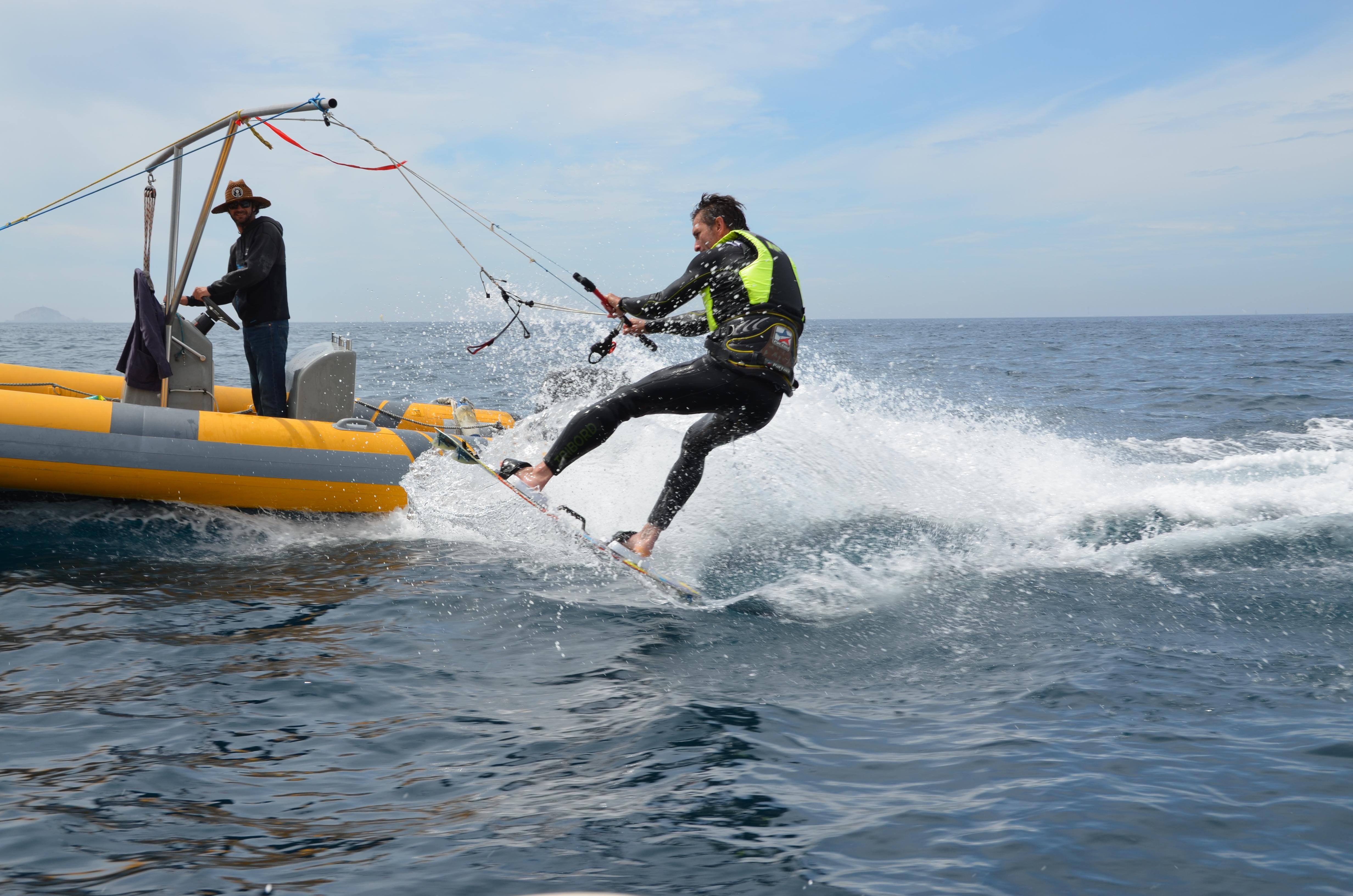 Même avec le mat et sans vague on peut faire des sauts :)